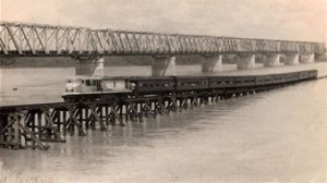 Burdekin Bridge last Sunlander (lower burd histl soc)